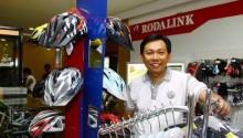 这家印尼最大的自行车店,如何线上线下两手抓?